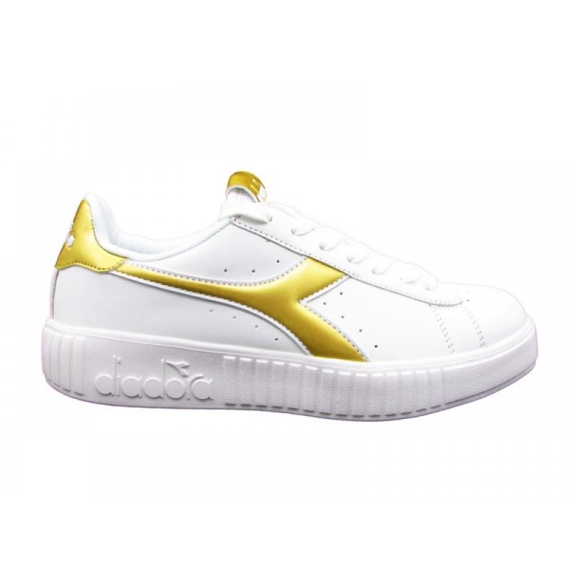 6daa98b78c08 Diadora Game Step Bianche e Oro Donna - Sneaker - Acquista online su ...