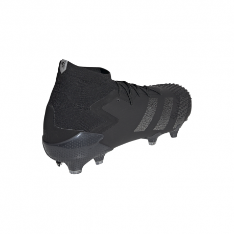 scarpe nere calcio adidas col calzino