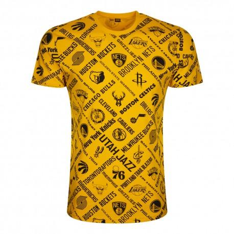 New Era T-Shirt Nba Aop Logo Giallo Nero Uomo