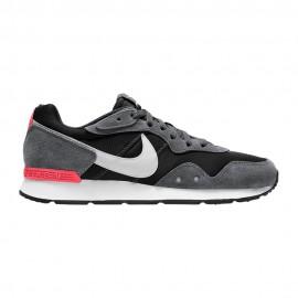 Nike Sneakers Venture Runner Nero Bianco Uomo