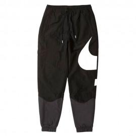 Nike Pantaloni Con Polsino Swoosh Nero Uomo
